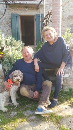 Podere Valdibotte: HelenさんとGiancarloさん、愛犬Franco