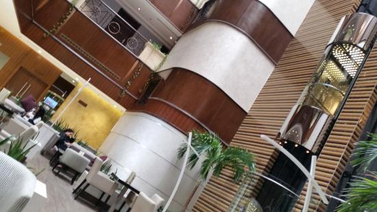 Flora Grand Hotel: Lobby