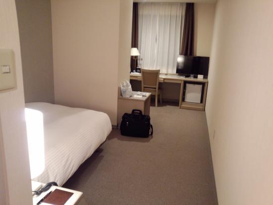 Hotel Vista Kamata Tokyo: とても細長い部屋でした。