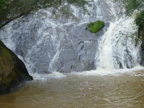 Taining County, China: Водопад