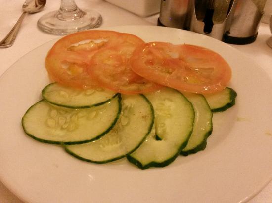 Hotel E Royalton: Essen ist der hammer salat inklusive Ironie. Sonst TOP
