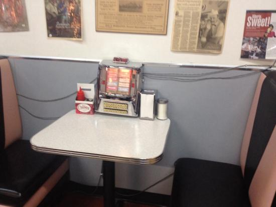 When did you last sit in a booth with a mini jukebox?! :) - Picture