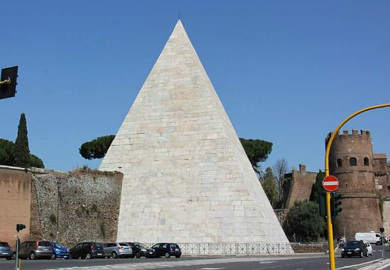 la bella piramide cestia picture of piramide cestia