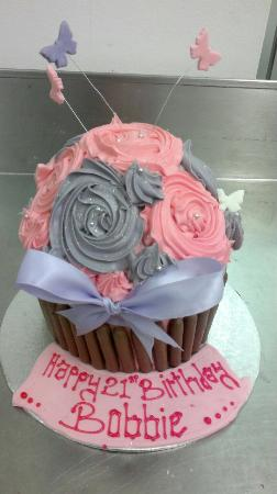 Wondrous Another Girly Giant Cupcake Picture Of Devine Cakes Nottingham Funny Birthday Cards Online Aboleapandamsfinfo