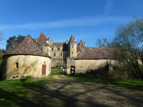 Lanquais, Франция: Entrée principale du château