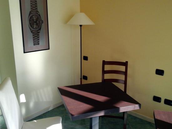 La Contrada Hotel: Saletta riunioni
