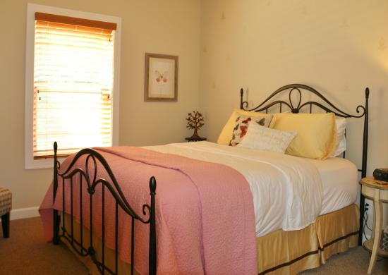 Shining Light Inn Bed U0026 Breakfast: Sarahu0027s Sanctuary Has Been Designed With  Luxury Fit For