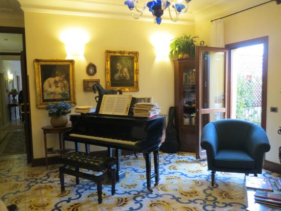 Hall d\'accueil - Foto di B&B Terrazze di Montelusa, Agrigento ...