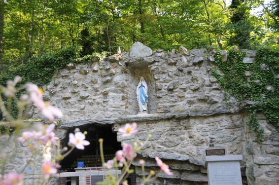 Emmitsburg, MD: The Grotto Cave Area