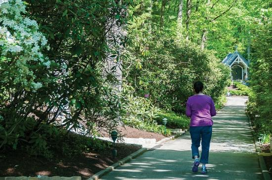 National Shrine Grotto of Lourdes: Walking down Corpus Christi Lane
