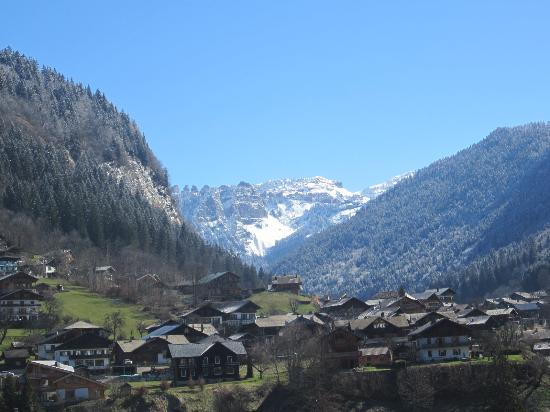 Village Vacances Le Chablais : La vue du quatrieme etage