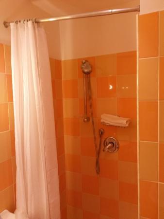 Resort la Rocchetta: Shower