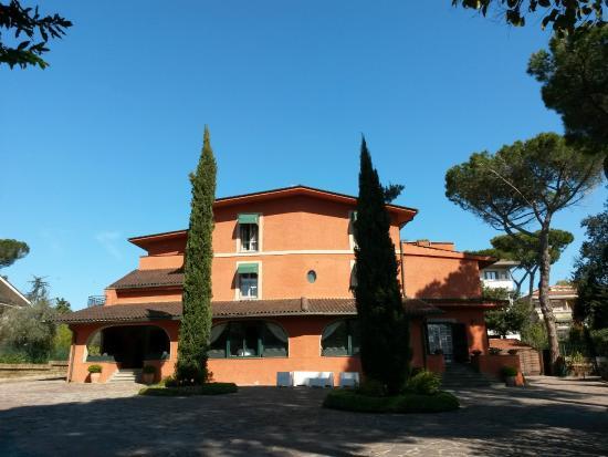 Resort la Rocchetta: Front view of the Hotel