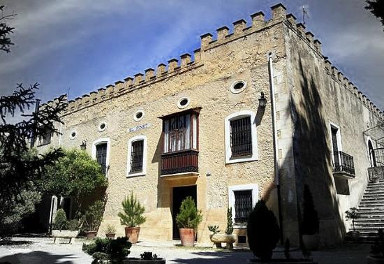 Casa rural Masia El PInet: Vista del edificio