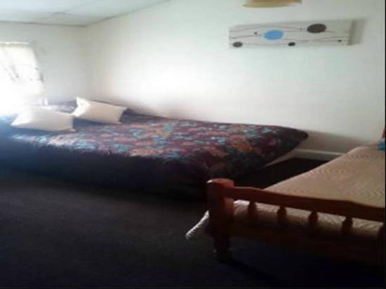 Willow Grove Hotel: BEDROOM