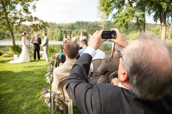 Cove Country Inn Resort & Spa: Wedding Ceremony on Pond