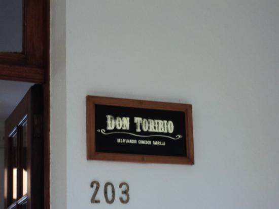 Don Toribio: Placa de identificação