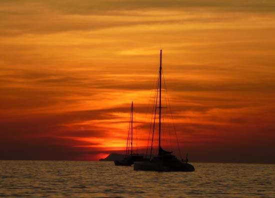 Laguna Beach Club: Sonnenuntergang Klong Dao Beach