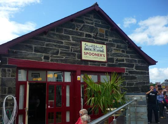 Spooner's Bar, Harbour Station, Porthmadog