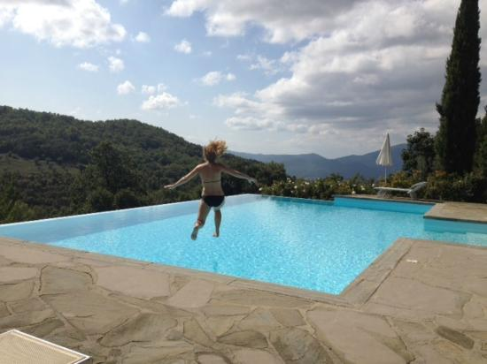 Locanda del Gallo : Pool jump