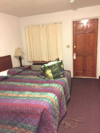 Sunset Motel: King Room