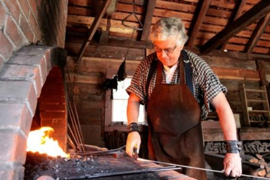 Fort Nisqually Living History Museum: The blacksmith