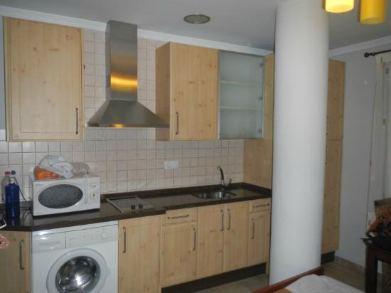 Apartamentos Gravina : cozinha/lavanderia apartamento