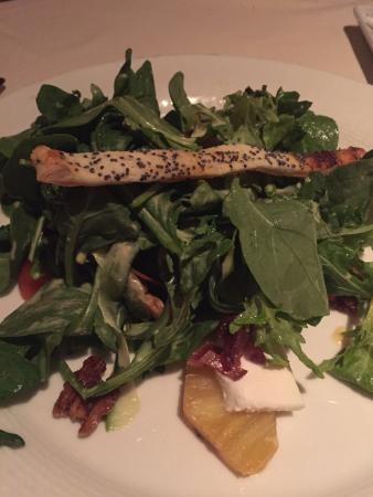 Bistro: Arugula salad with goat cheese
