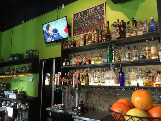 Fogon Cocina Mexicana: Bar area