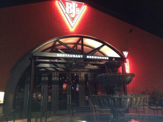 Bj S Restaurant Brewhouse Laguna Hills Ca