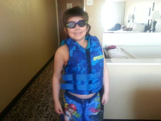 Grand Oaks Hotel: Roman always ready to go swim