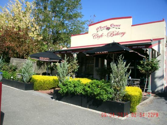 O'Hara's @ Clunes Cafe Bakery: Facade