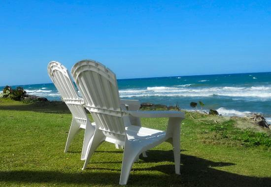 Cabarete East Beachfront Resort: Cabarete East Chairs