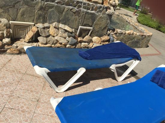 "Hotel Isla Caribe: ""TUMBONAS"" SOCIAS Y VIEJAS"