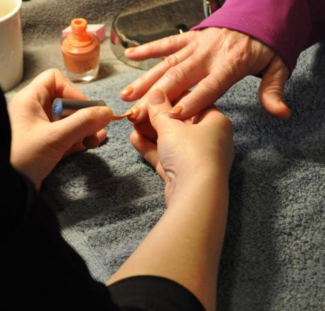Kalola Boutique & Spa: Enjoying a luxury handtreatment