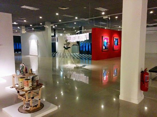 National Visual Arts Gallery: Modern art collection