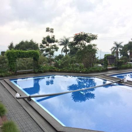 Lembang Asri: Swimming Pool