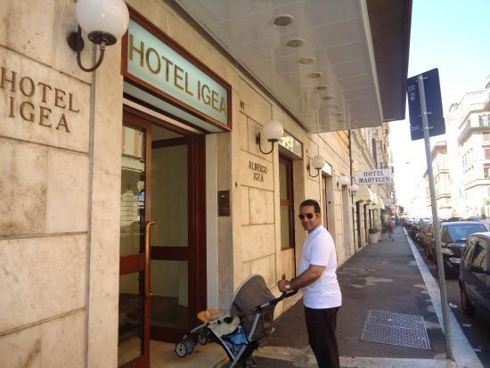 Igea Hotel: دوستان من پنج روز توي اين هتل بودم در مجموع هتله خوبيه
