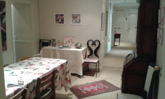 Nice Garden Hotel: Inside breakfast room