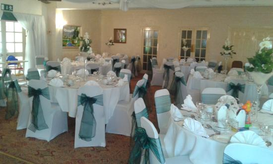 Wincham Hall Hotel and Gardens: The wedding room!