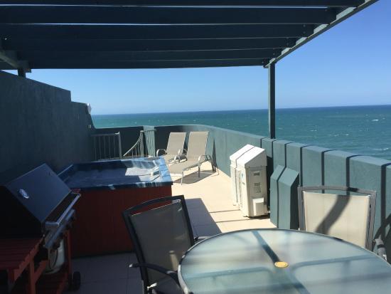 Malibu Mooloolaba Holiday Apartments: Rooftop terrace