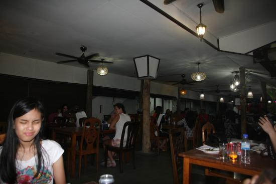 D'khas cafe : Full house