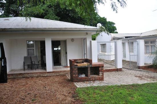 Lenmore Guesthouse: Cottage and Braai