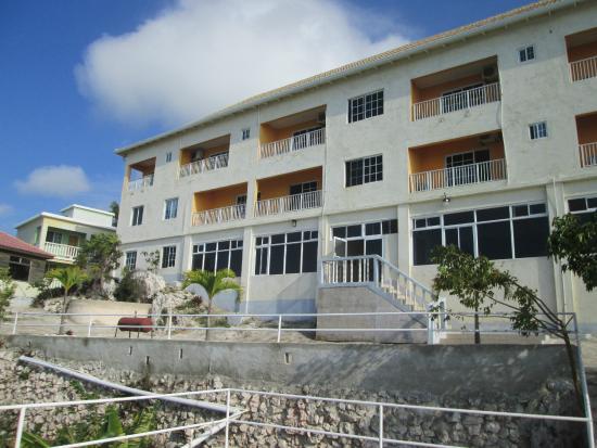 Saint Elizabeth Parish, Jamaica: seaside of hotel