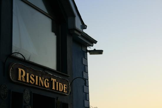 The Rising Tide Brasserie: Outside