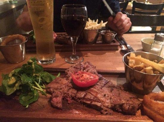 Firehouse Bar and Grill : RIB EYE AND WINE !