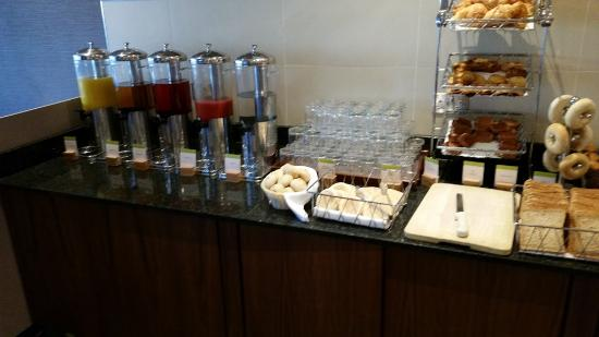 DoubleTree by Hilton Hotel Sheffield Park: Ein kurzer Blick in die Essecke