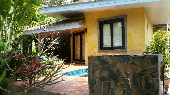 Sunshine Residence : front of the villa