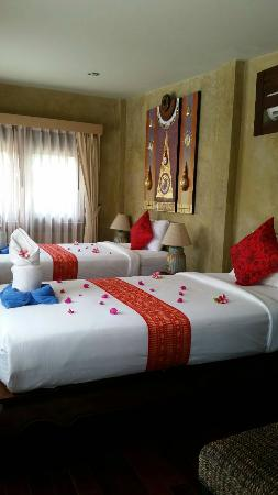 Sunshine Residence: other bedroom