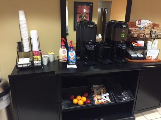 Extended Stay America - Asheville - Tunnel Rd.: Grab and Go Breakfast